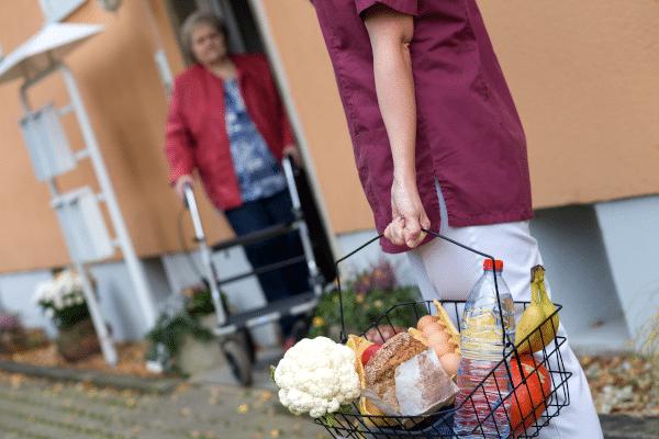 Informationen zur ambulanten Pflege: Pflegeleistungen und Kosten