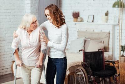 Übersicht zu Verhinderungspflege und Kurzzeitpflege: Definition, Unterschiede, Voraussetzungen, Antrag