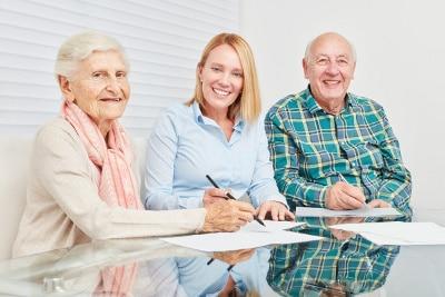Pflege Bahr Versicherung vergleichen und staatliche Förderung nutzen.